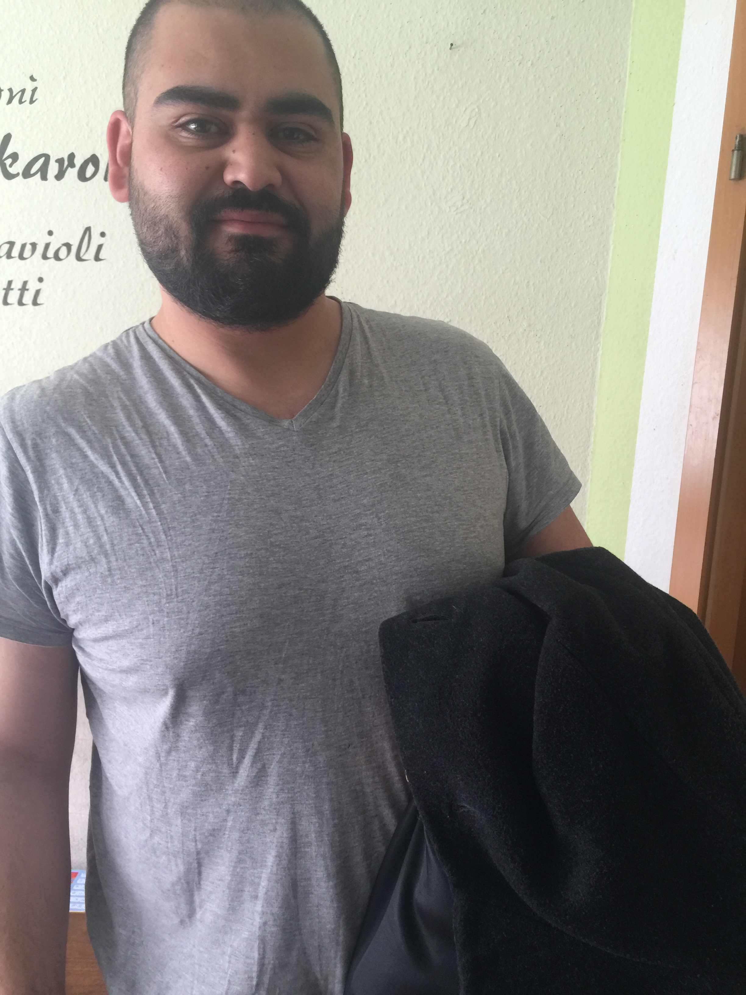 Nabil Hamy had his grandfather's coat brought to Germany from Syria Photo: private