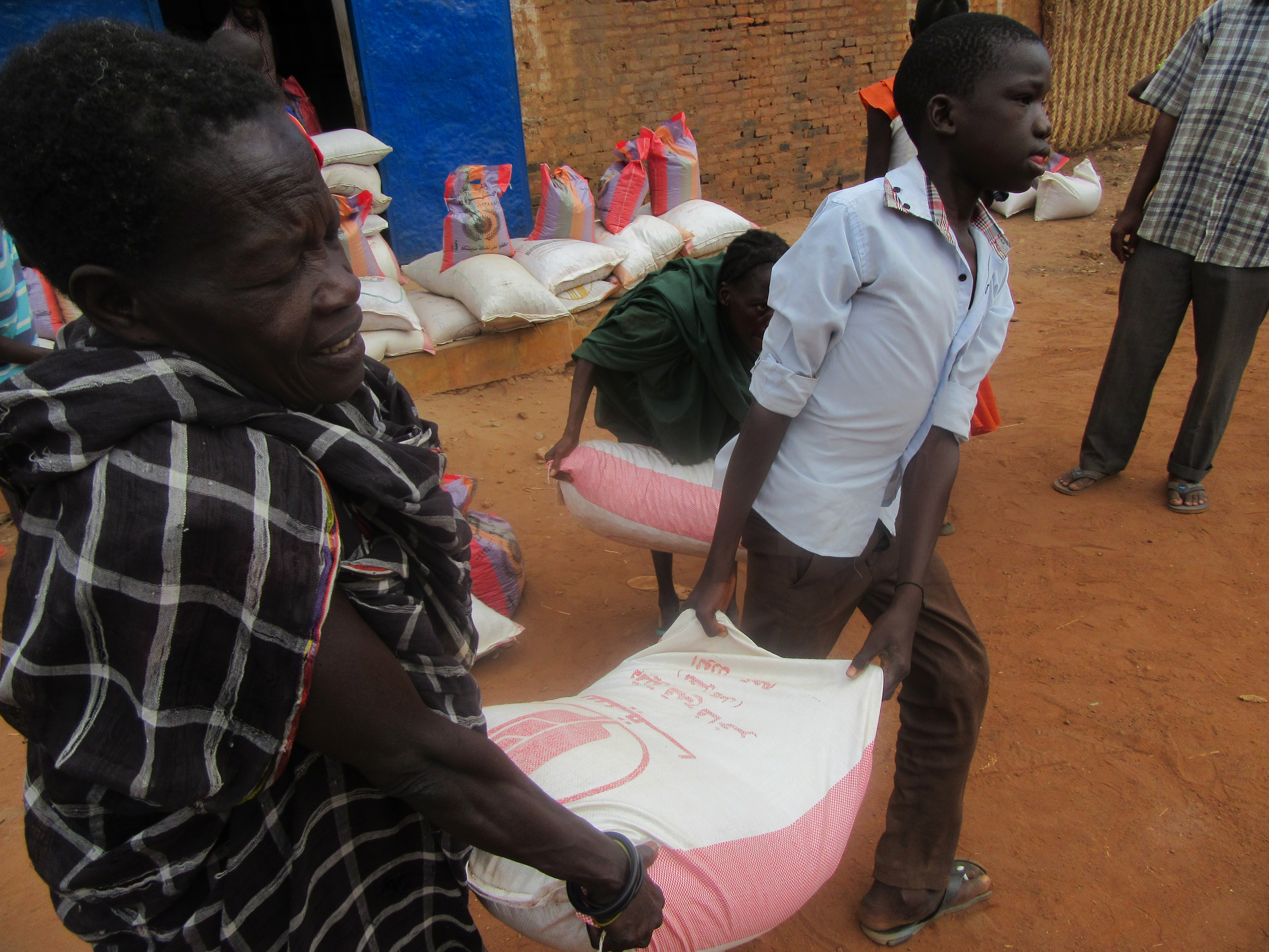 Malteser International distributes food in the city of Wau.