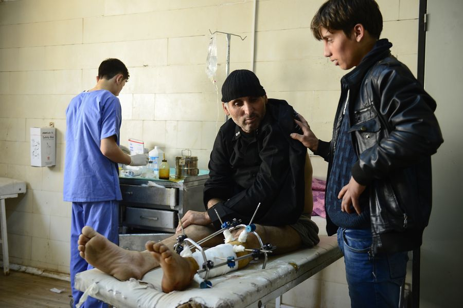 Together with a local partner organization, our teams are treating wounded and sick people in Syria. Photo: Malteser International