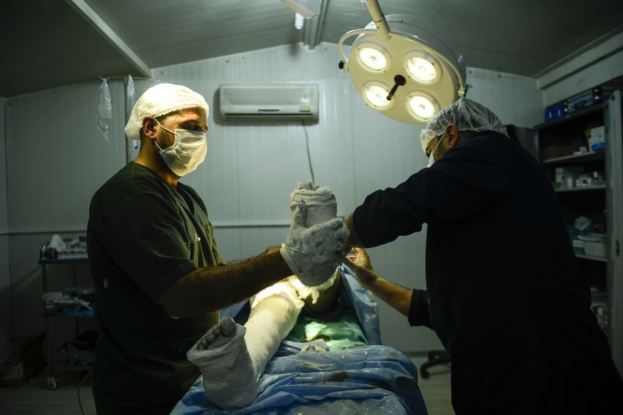 Providing medical care for displaced in Syria. Photo: Malteser International