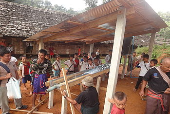 Together with the children, Malteser International has built handwashing shelters in the schools in the Mae La Oon refugee
