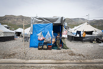 The inhabitants of the camps try to keep normal life alive as much as they can. Photo: Carmen Wolf