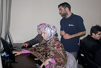 Computer course for young adults in Kilis, Turkey.