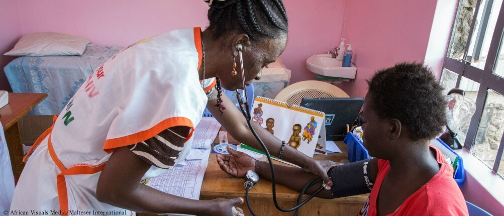 Fighting AIDS and TB in the slums of Nairobi - Kenya
